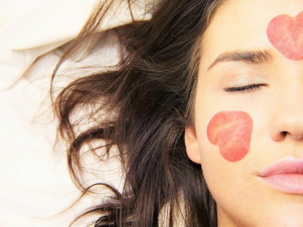 ヒト幹細胞と相性抜群!美肌効果を高める生活習慣
